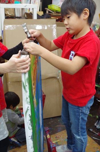 子ども達の好奇心を大切にアートの芽を育てる